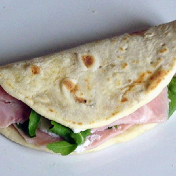 Piadina – Flat Bread with Filling