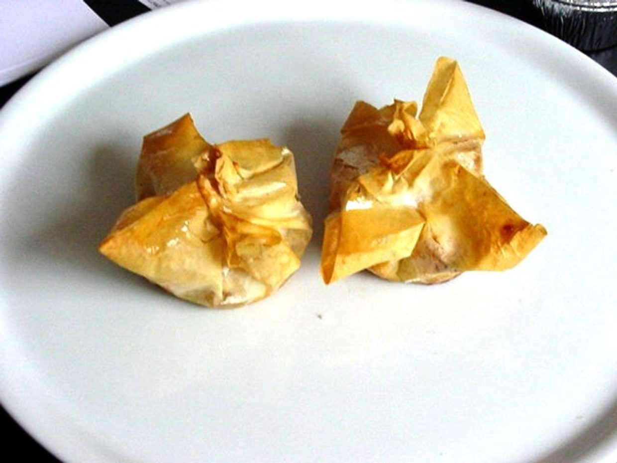 Phyllo Pastry with Cream and Fruits